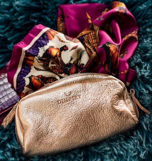 Dimpsey pouch